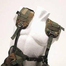 Militaria: CHALECO TACTICO ORIGINAL USADO CAMO 100% NYLON 604835 MF13. Lote 37459957