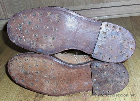 Militaria: Detalle de las suelas, de cuero, los clavos se retiraron para su venta al peso como metales durante la postguerra - Foto 4 - 267634559