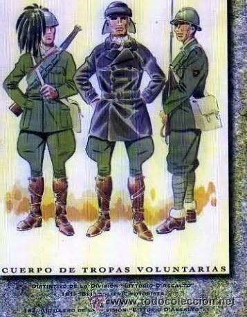 Militaria: Botas del solddo de la derecha, libro Uniformes de l Guerra Civil de JM Bueno. - Foto 9 - 267634559
