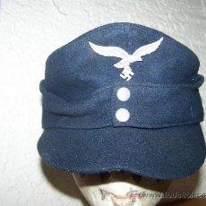 Militaria: GORRA ORIGINAL AÑOS 70 CON SIMBOLO DE LW NAZI. Lote 36639554
