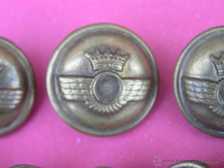 Militaria: Botones EJÉRCITO DEL AIRE ( lote de 10 ) . Antiguos .Del Reglamento de Uniformidad de 1946 y usados - Foto 6 - 39699315