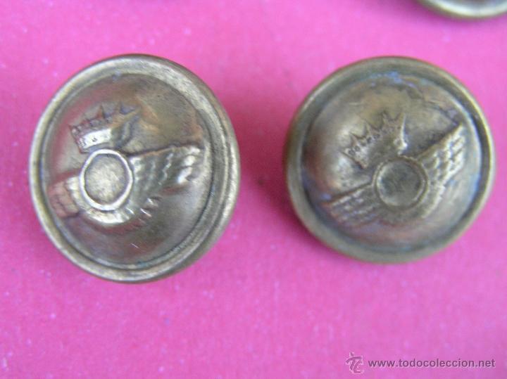 Militaria: Botones EJÉRCITO DEL AIRE ( lote de 10 ) . Antiguos .Del Reglamento de Uniformidad de 1946 y usados - Foto 7 - 39699315