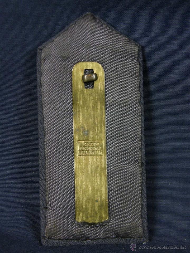 Militaria: hombreras de oficial de aviación doradas hilo de oro botón con rokiski militar aviacion - Foto 7 - 40115505