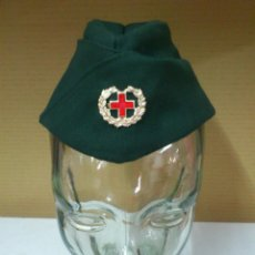 Militaria: GORRA PLATANO DE LA CRUZ ROJA - EPOCA DE FRANCO. Lote 40259774