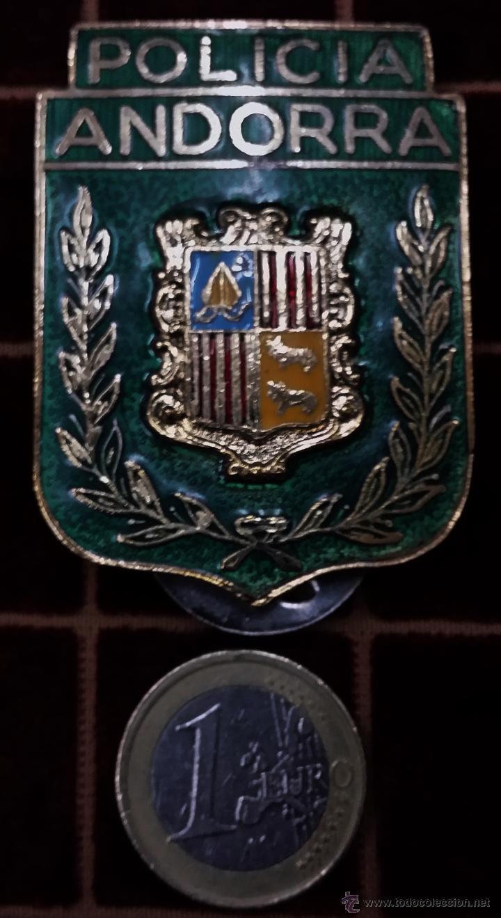 PLACA DE PECHO DE LA POLICIA DE ANDORRA (Militar - Otros relacionados con uniformes )