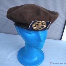Militaria: BOINA MILITAR CON EMBLEMA.. Lote 42886251