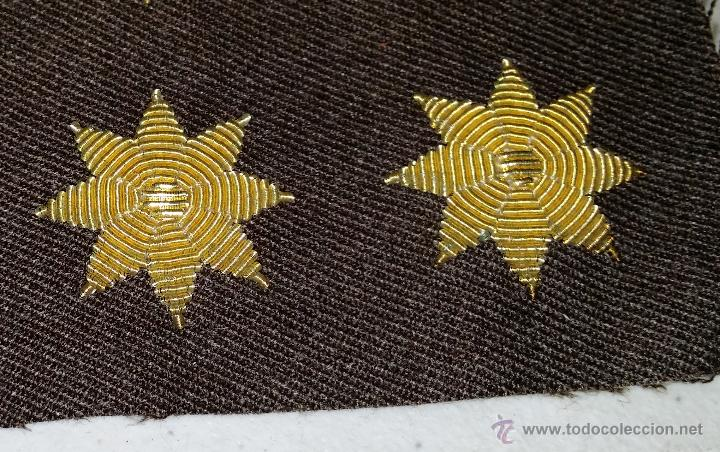 ESTRELLAS DE POLICIA NACIONAL ,LA TELA ES MARRON (Militar - Otros relacionados con uniformes )