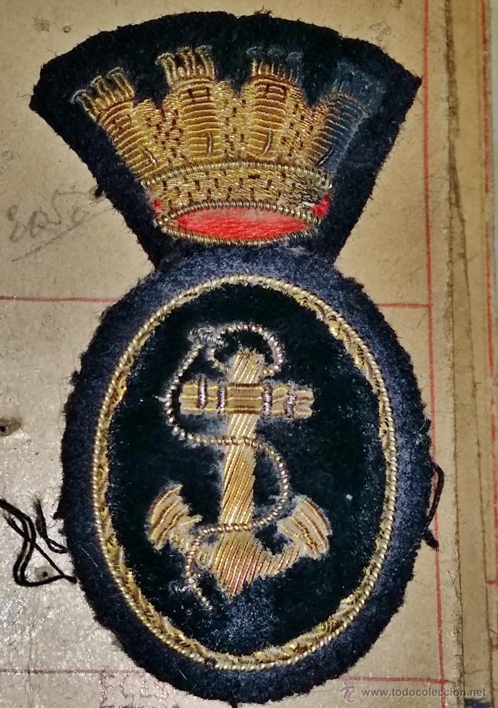 DISTINTIVO DE MARINA DE GUERRA DE LA REPUBLICA BORDADO,DOS PIEZAS,MUESTRARIO (Militar - Otros relacionados con uniformes )