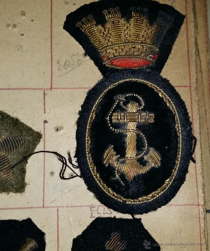 Militaria: DISTINTIVO DE MARINA DE GUERRA DE LA REPUBLICA BORDADO,DOS PIEZAS,MUESTRARIO - Foto 2 - 45950960