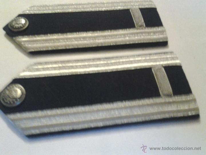 HOMBRERAS (Militar - Otros relacionados con uniformes )