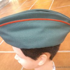 Militaria: GORRO PLATANO CUARTELERO GUARDIAS JOVENES GUARDIA CIVIL. Lote 46124155