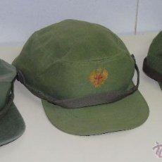 Militaria: 3 MODELOS DE GORRAS MILITARES. EJÉRCITO ESPAÑOL. GORRA. AÑOS 70 80.. Lote 47723738