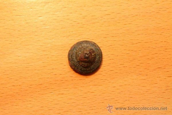 Militaria: Antiguo botón de cobre, convexo y cónico con forma de cabeza de león. Raro. - Foto 2 - 48704667