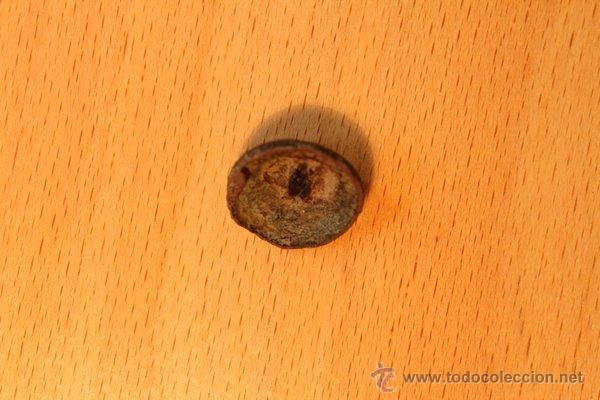 Militaria: Antiguo botón de cobre, convexo y cónico con forma de cabeza de león. Raro. - Foto 3 - 48704667