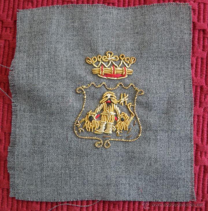 Militaria: Bordado en hilo de oro del escudo de Cádiz, época Franco.Seguramente para la policía armada - Foto 2 - 49139297