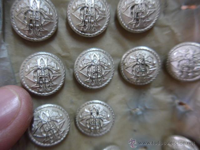 Militaria: Gran lote de botones a identificar antiguos, originales a estrenar - Foto 2 - 50516245