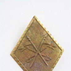 Antiguo Rombo Militar / Ejército - Emblema de Caballería - Metal - Medidas 49 x 35 Mm