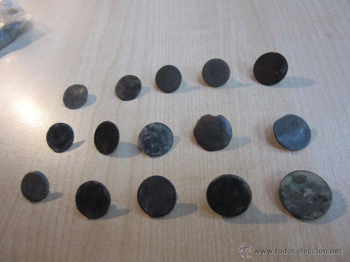 Militaria: 15 botones de finales del siglo XVIII o principios del XiX - Foto 3 - 53371766