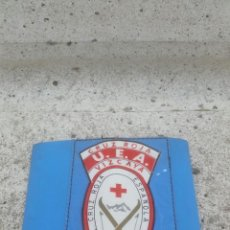 Militaria: BRAZALETE INSIGNIA CRUZ ROJA,SOCORRISTA ALPINO VIZCAYA,AÑOS 50 APROX.. Lote 53402937