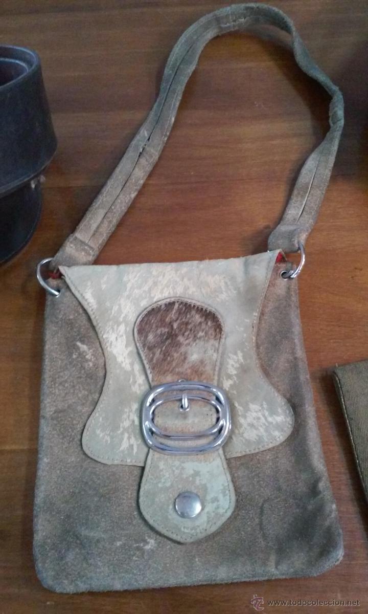 Militaria: Lote de gorra, cinturón, tirantes, hombreras y bolsa militares. En su caja original. - Foto 4 - 53466024