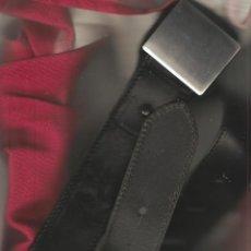 Militaria: CINTURON CON HEBILLA LISA CUERO TEÑIDO DE 115 CMS.. Lote 56097082