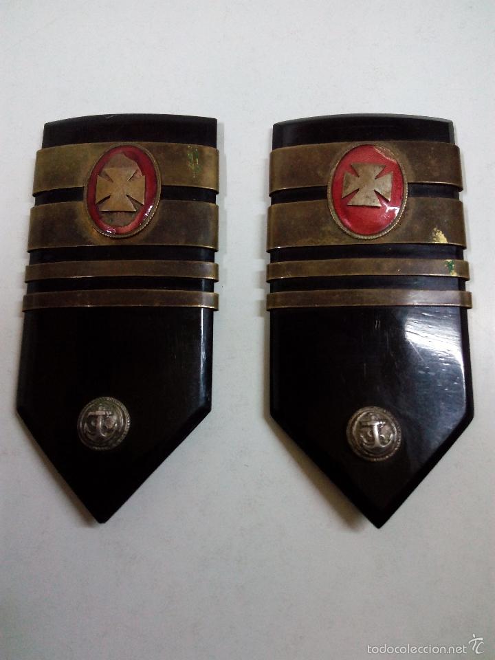 Militaria: ANTIGUA PAREJA DE HOMBRERAS DE MARINA . CUERPO MEDICO . EPOCA FRANCO - Foto 2 - 56153793