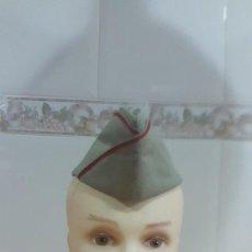 Militaria: GORRO CUARTELERO EJERCITO ESPAÑOL TIPO PLÁTANO AÑOS 60 / 70 INFANTERÍA. Lote 56310443