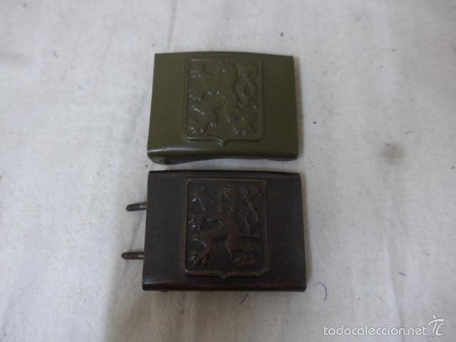 LOTE 2 HEBILLA CHECA ORIGINAL DE EPOCA DE DOMINACION NAZI ALEMANA, II GUERRA MUNDIAL. DISTINTAS. (Militar - Cinturones y Hebillas )