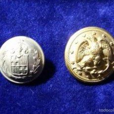 Militaria: LOTE DOS BOTONES 1 BOTON AYUNTAMIENTO DE BARCELONA, SOBRE 1900 Y 2 A CLASIFICAR. Lote 57054719