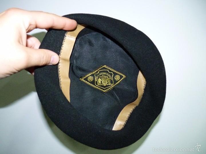 Antigua boina negra de lana d1066b92604