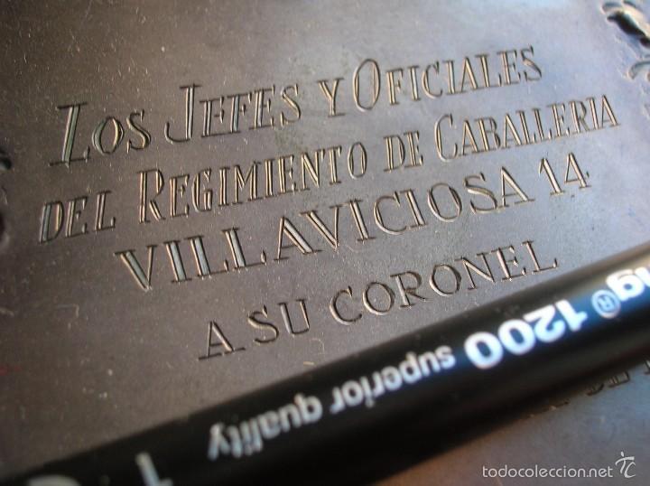 Militaria: FAJIN DE GENERAL. REGIMIENTO DE CABALLERIA VILLAVICIOSA 14. VICTOR FRANQUISTA EN ORNAMENTOS. ESTUCHE - Foto 4 - 57614105