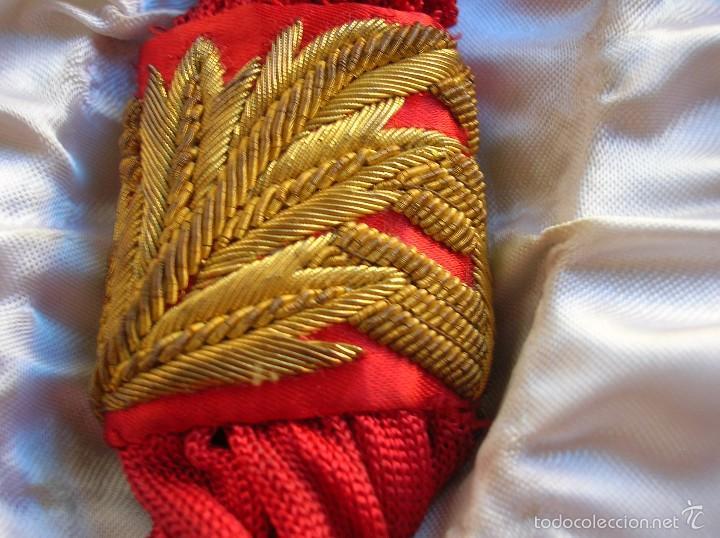 Militaria: FAJIN DE GENERAL. REGIMIENTO DE CABALLERIA VILLAVICIOSA 14. VICTOR FRANQUISTA EN ORNAMENTOS. ESTUCHE - Foto 10 - 57614105