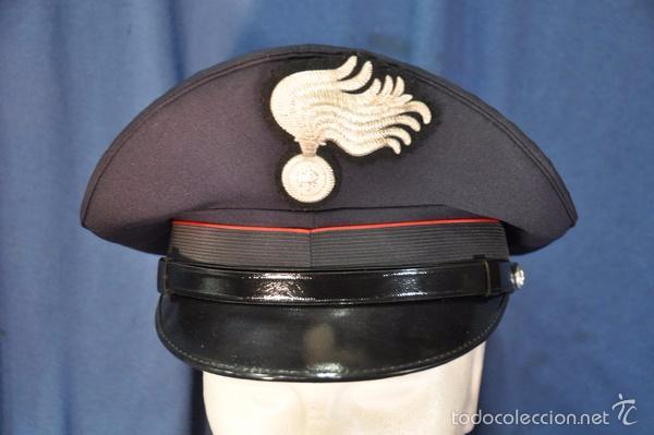 ITALIA. GORRA DE PLATO DE LOS CARABINIERI. TALLA 59. (Militar - Boinas y Gorras )