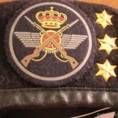 Militaria: BOINA DE CAPITAN DEL EJERCITO DEL AIRE. GRUSEG. GRUPO DE SEGURIDAD. INTERVENCION. TALLA 57. ELOSEGUI. Lote 57987551