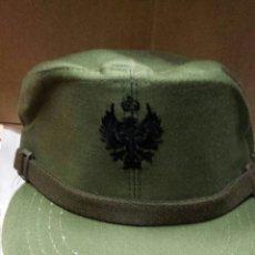 Militaria: GORRA FAENA VERDE ÁGUILA NEGRA AÑOS 80, TALLA 58. Lote 175781950