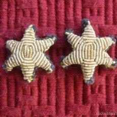 Militaria: DOS ESTRELLAS DE SEIS PUNTAS BORDADAS EN HILO DE ORO PARA UNIFORME DE LA GUARDIA CIVIL.. Lote 60299499