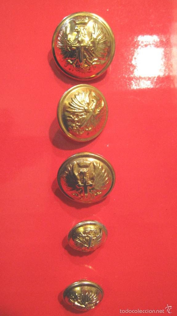 ANTIGUOS BOTONES ET. : GRANDE CAPOTE + 2 GUERRERA + 2 BOCAMANGA. MUY BUEN ESTADO (Militar - Botones )