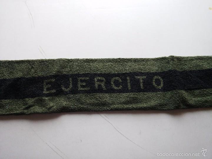 Militaria: TOALLA EJERCITO TIERRA - AÑOS 1990 - MEDIDAS 94 X 41 CM. APROX. NUEVA - Foto 3 - 61264895