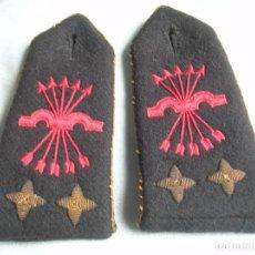 Militaria: RARAS HOMBRERAS PARA ABRIGO DE CONSEJERO NACIONAL DEL MOVIMIENTO, ALTO JERARCA FALANGISTA. FALANGE.. Lote 69665225