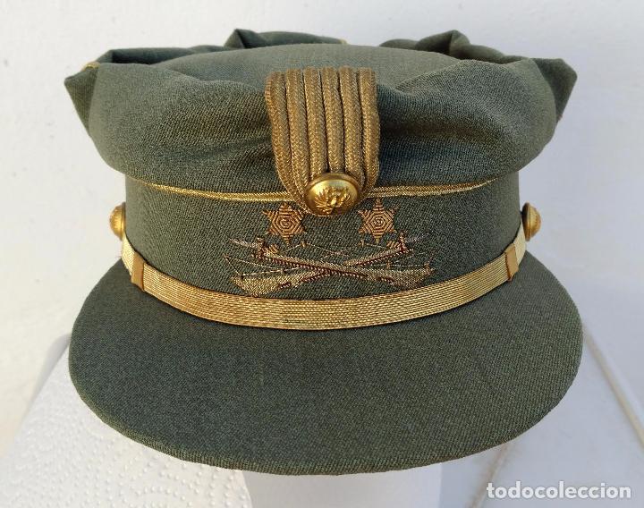 TERESIANA TENIENTE LEGION ESPAÑOLA, COLOR VERDE LEGION O SARGA, ESTRELLA BORDADA, (Militar - Boinas y Gorras )