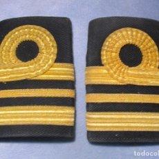 Militaria: ANTIGUAS HOMBRERAS DE OFICIAL DE LA ROYAL NAVY. ARMADA BRITANICA.. Lote 71733583