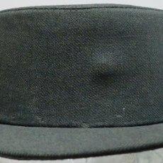 Militaria: TRICORNIO CON VISERA DE LA GUARDIA CIVIL. Lote 83398148