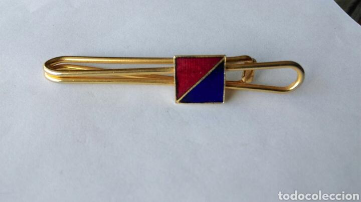 PASACORBATAS PASADOR CORBATA SUJETA BILLETES FALANGE (Militar - Otros relacionados con uniformes )