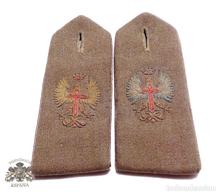 HOMBRERAS MILITARES ÉPOCA DE FRANCO (Militar - Otros relacionados con uniformes )