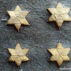 Militaria: LOTE CUATRO ESTRELLAS UNIFORME MILITAR BORDADAS ANTIGUAS. Lote 94268380