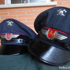 Militaria: LOTE DOS GORRAS ALEMANAS DE BOMBEROS,POSGUERRA AÑOS 50 60. Lote 94683783