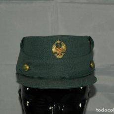Militaria: GORRA MONTAÑERA GUARDIA CIVIL. AÑOS 70.. Lote 95401443