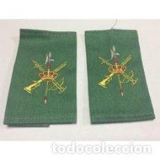 Militaria: MANGUITOS DE LA LEGIÓN TELA SARGA. Lote 147326056