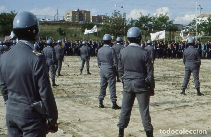 Militaria: C.R.G. de la Policía Armada haciendo prácticas (con las botas de tres hebillas). - Foto 9 - 96377867