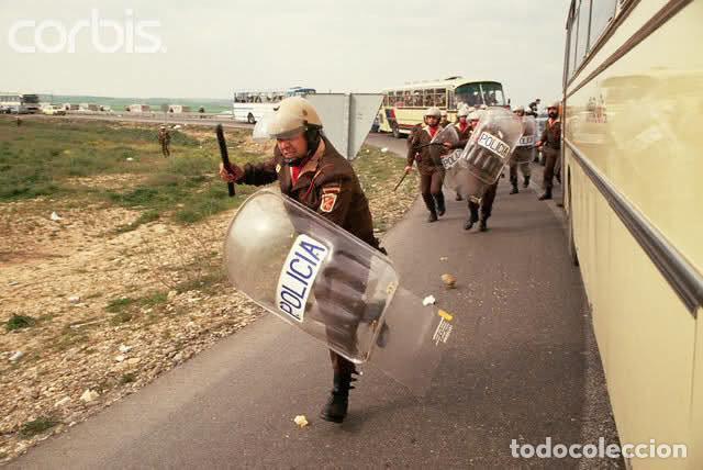 Militaria: C.R.G. ya de la Policía Nacional en acción (con las botas de tres hebillas). - Foto 10 - 96377867